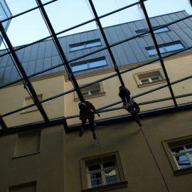 HOTEL TIMIȘOARA-Curățare tavan sticlă