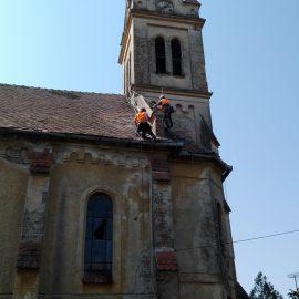 Reparații acoperiș Biserică Remetea Mare